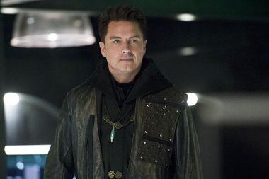 John Barrowman fecha contrata para todas as séries da CW