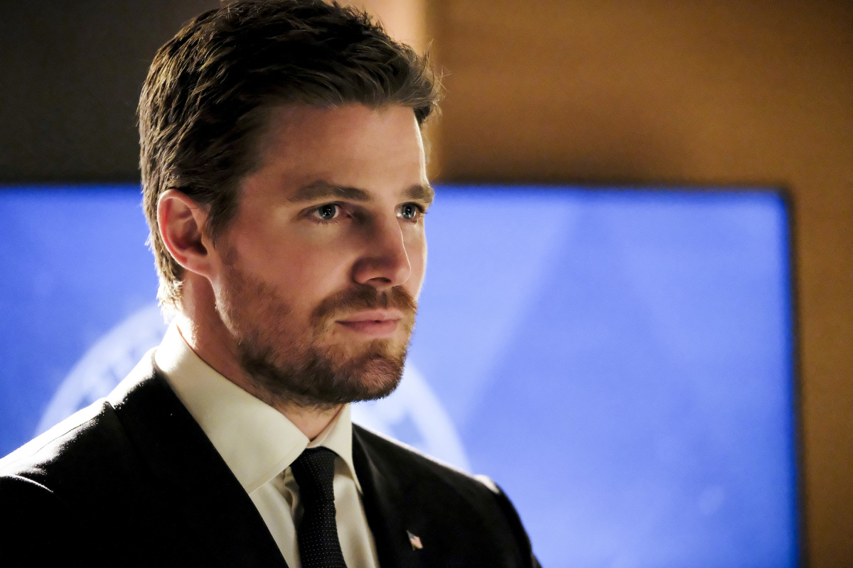 Arrow S05E18 Disbanded