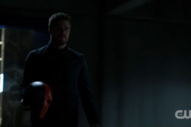 Arrow recruta Slade Wilson em novo trailer