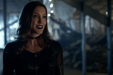 Katie Cassidy Voltara ao elenco regular na 6a temporada de Arrow