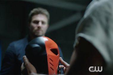 Stephen Amell promete mais de Slade e um retorno da sexta temporada de Arrow