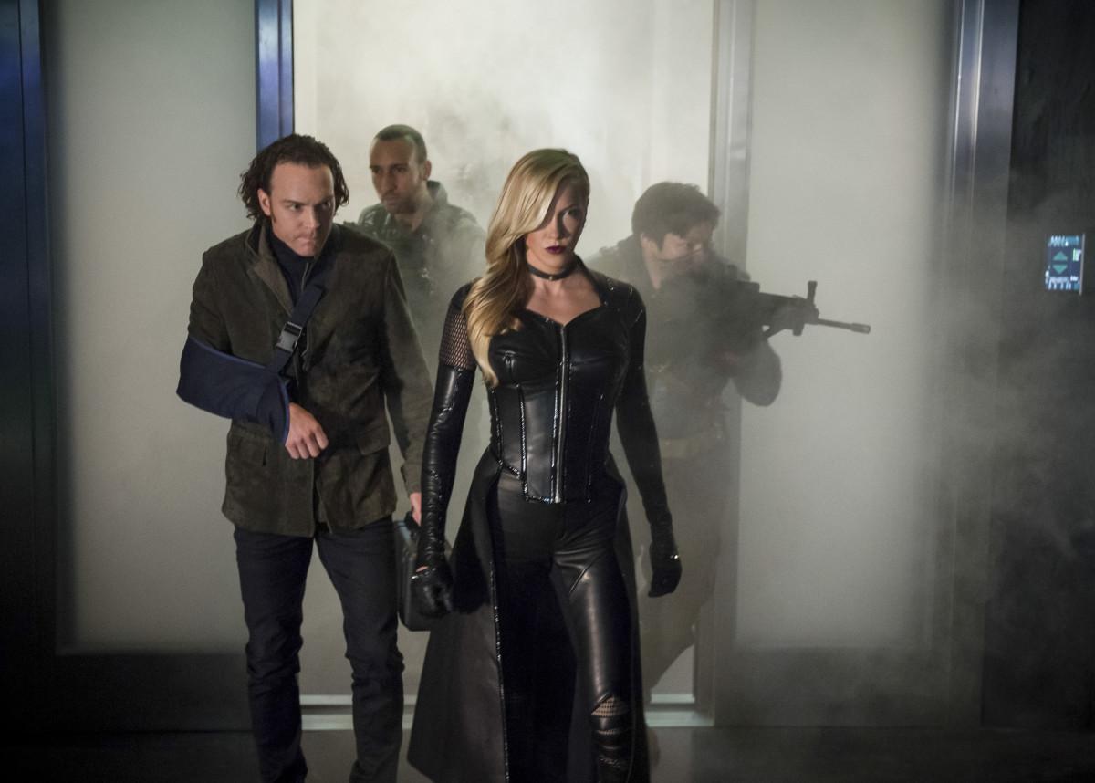 Season Premiere| Arrow S06E01 Fallout