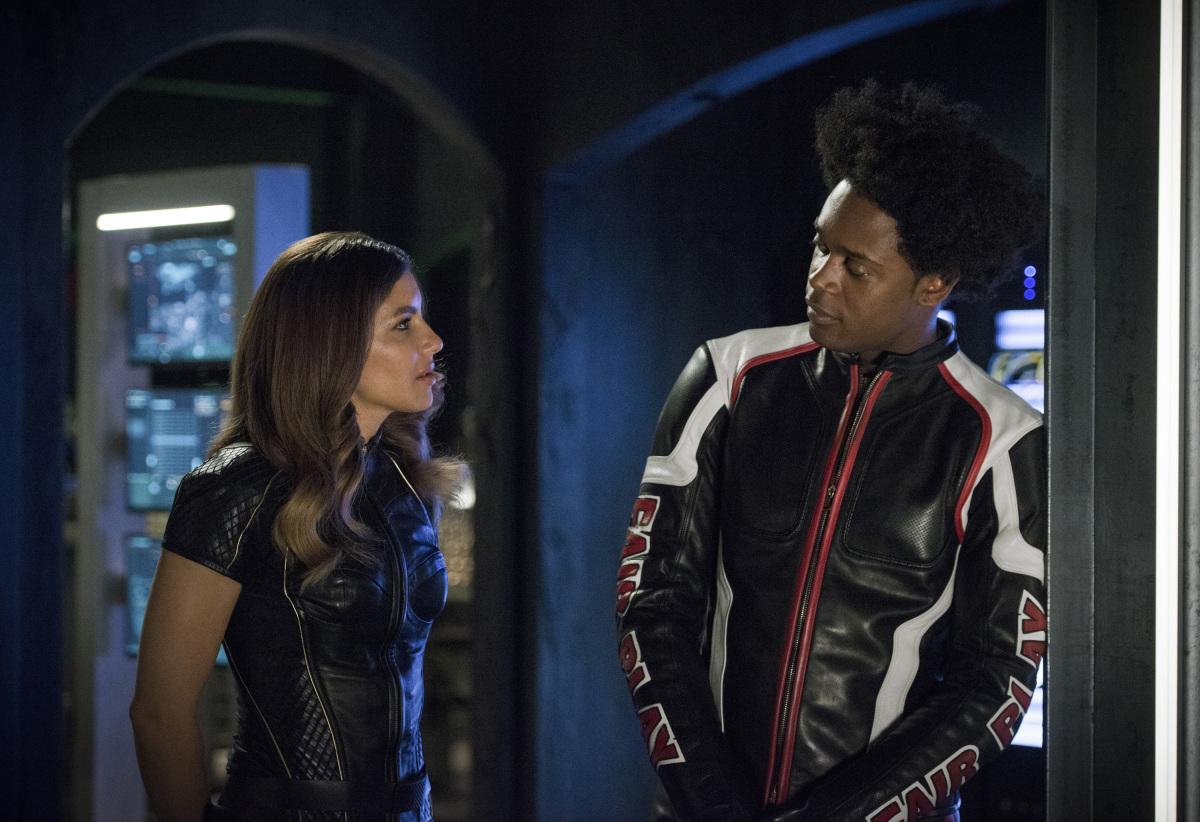 Arrow S06E04 Reversal