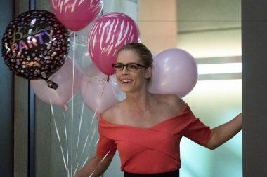 Felicity no episódio de The Flash S04E05 Girls Night Out