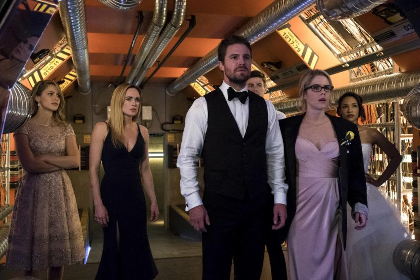 Arrow S06E08 Crisis on Earth-X Parte 2