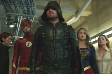 Green Arrow, Supergirl, Legends of Tomorrow e The Flash juntos no primeiro teaser de Epic Crisis on Earth-X