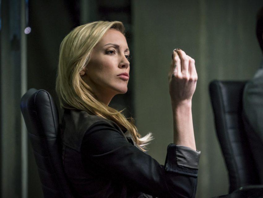 Arrow | Katie Cassidy dirigirá um episódio na última temporada