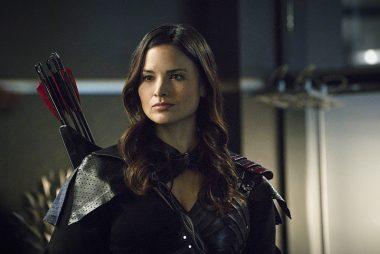 """Katrina Law retorna em Arrow no 16º episódio """"Guild Thanatos"""""""