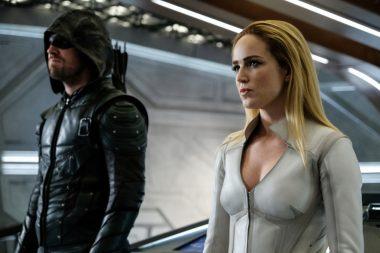 Sara Lance Aka Caity Lotz retorna no season finale da sexta temporada de Arrow