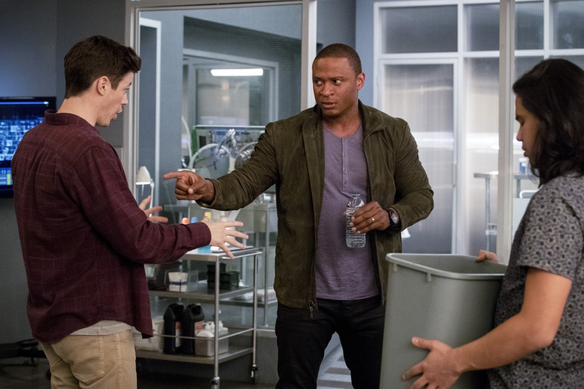 John Diggle estará em The Flash S04E22 Think Fast
