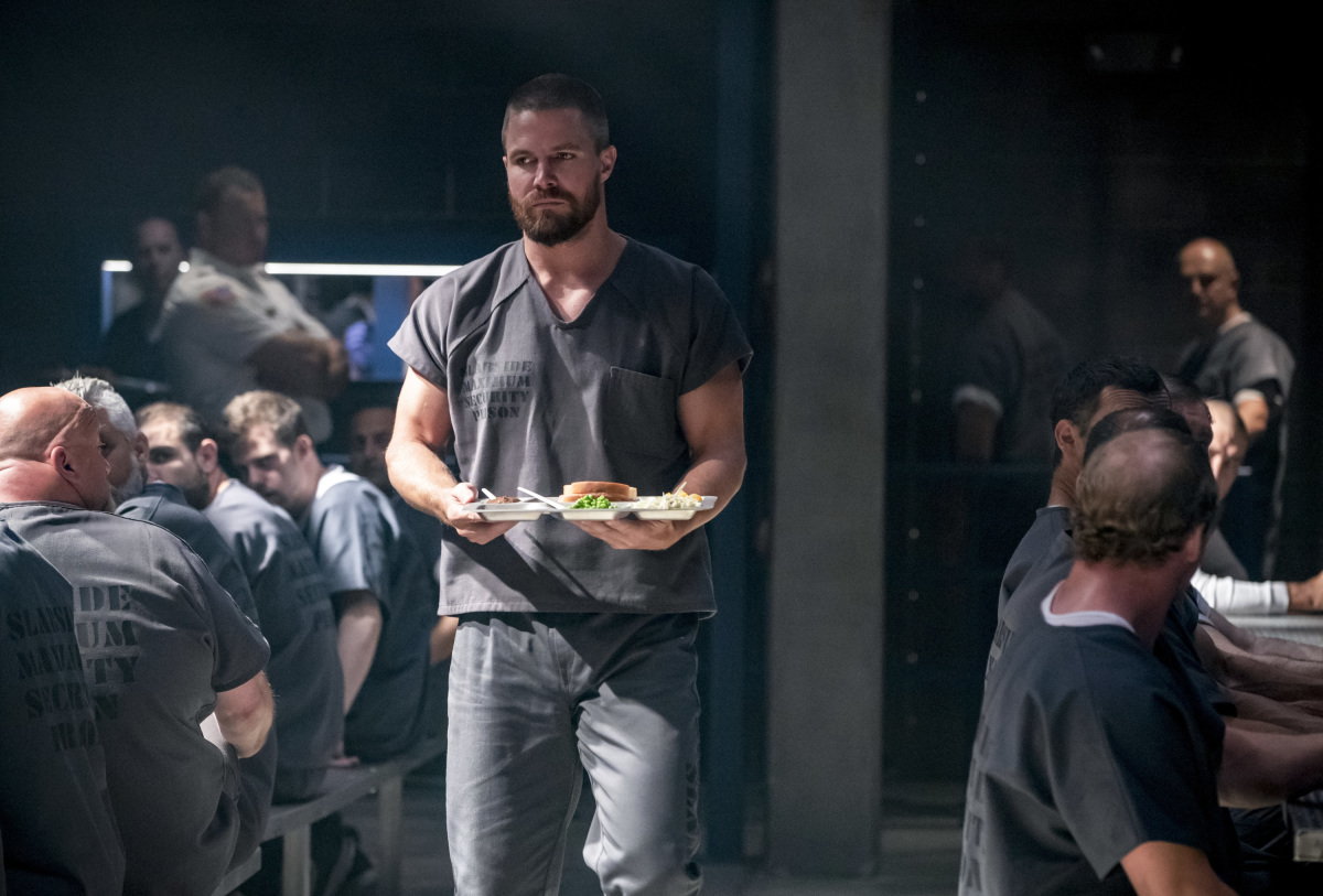 Arrow S07E01 Inmate 4587 | Season Premiere