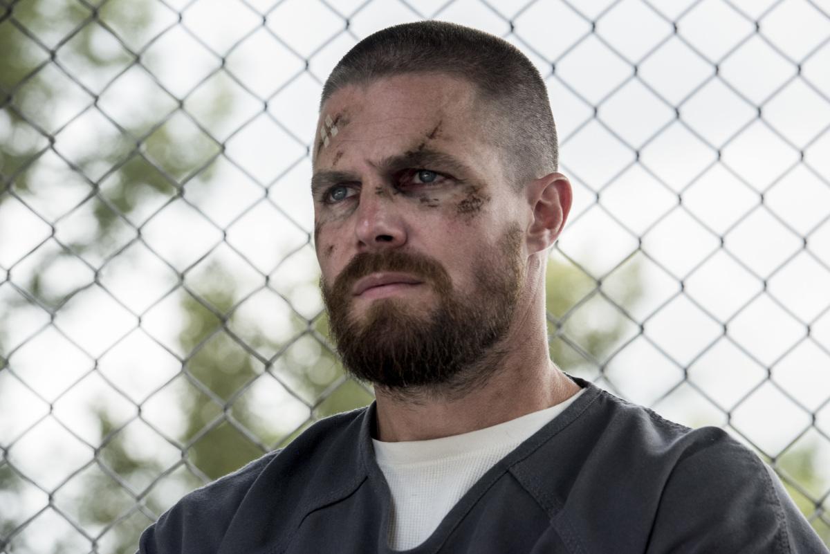 "Arrow S07E02 ""The Longbow Hunters"""