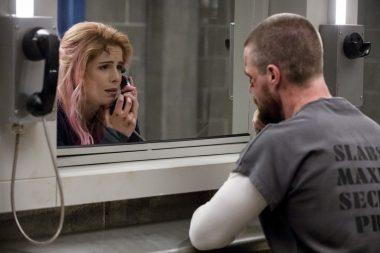 Descrição do segundo episódio da sétima temporada de Arrow tem muita ação para Felicity