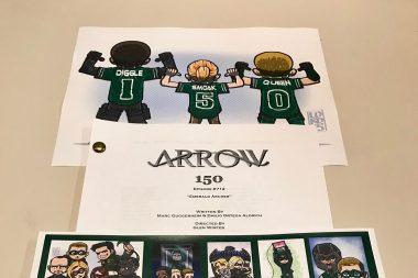 Título, créditos e comemorações do episódio de número 150 de arrow