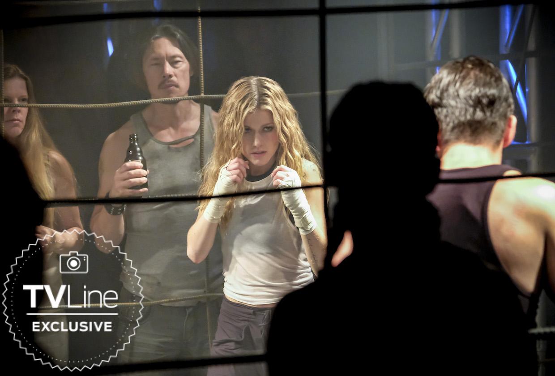 Primeira imagem de Kat McNamara em Arrow