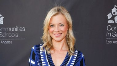 Stargirl | 4 novos personagens regular, incluindo Amy Smart