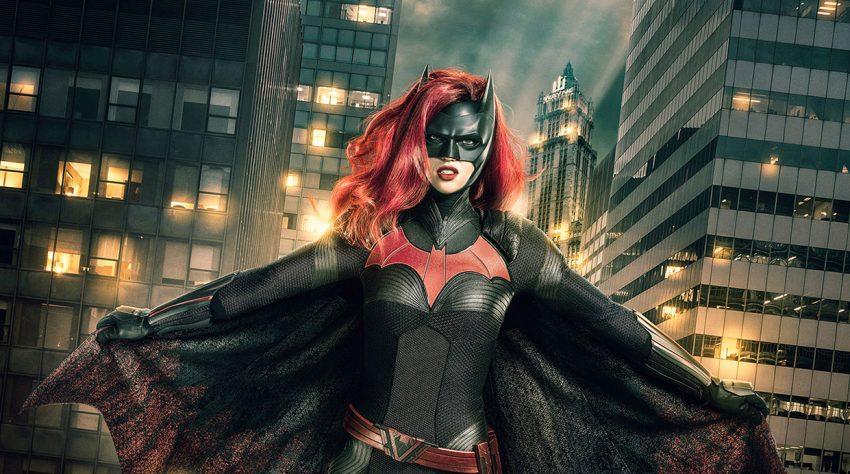 Batwoman | O episódio piloto acontece antes dos eventos do crossover Elsewords