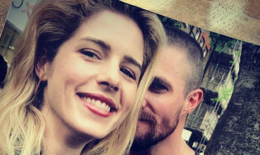 Arrow | Stephen Amell postou um tributo a Emily Bett Rickards