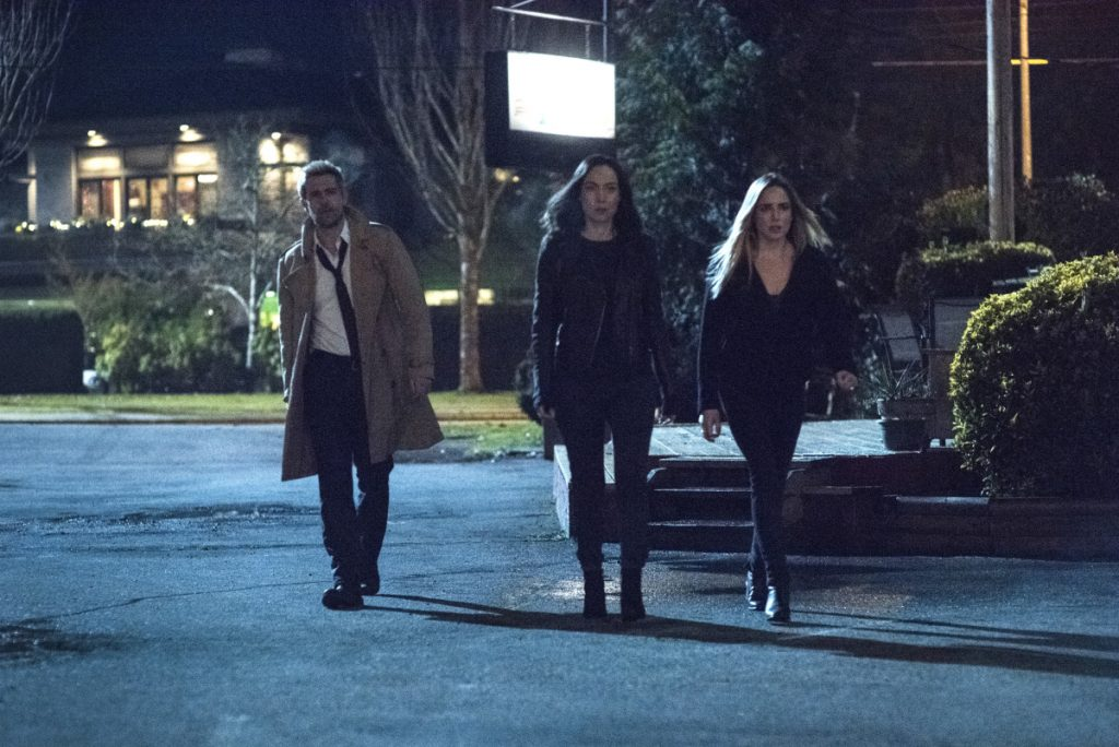 Legends Of Tomorrow | S04E12 The Eggplant, The Witch & The Wardrobe