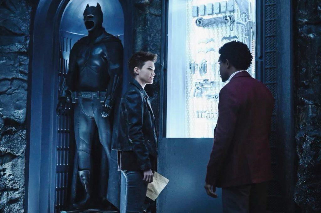 Batwoman |Descrição oficial e duas fotos oficiais da série