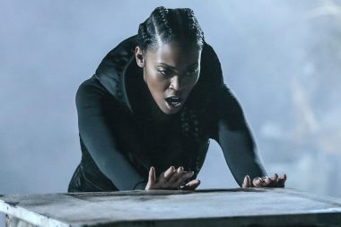 Black Lightning | Nafessa Williams quer um crossover com supergirl