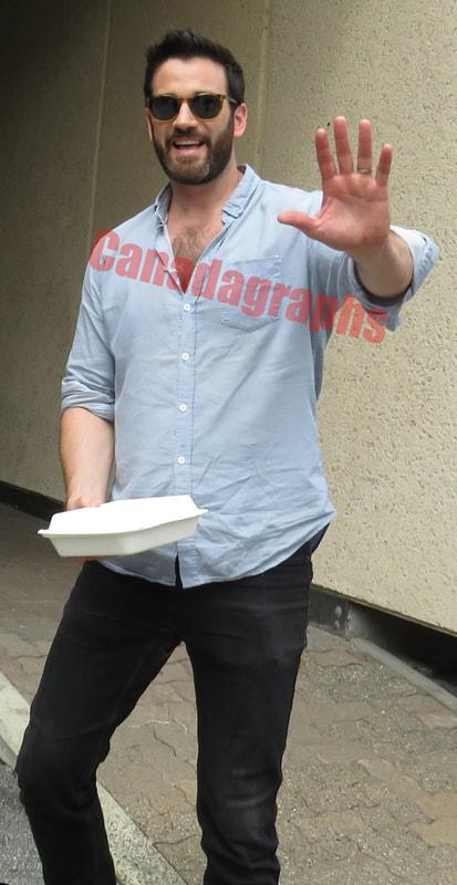 Arrow | Fotos dos bastidores das gravações revelam a participação de Colin Donnell