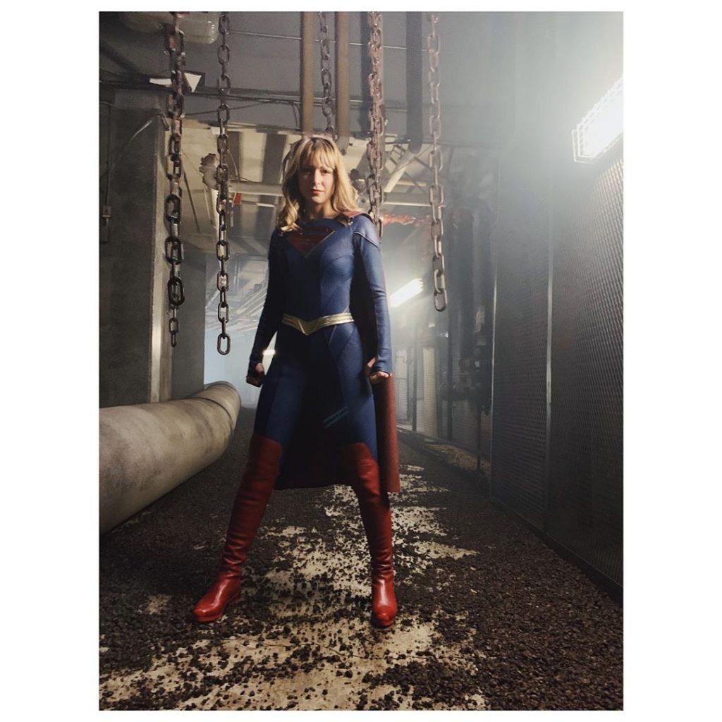 Supergirl | Melissa Benoist divulga o novo traje da heroína