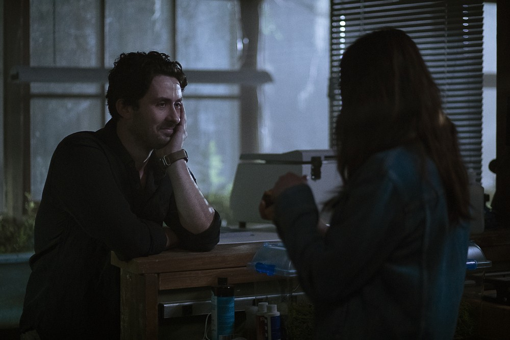 Swamp Thing   S01E07 Brilliant Disguise