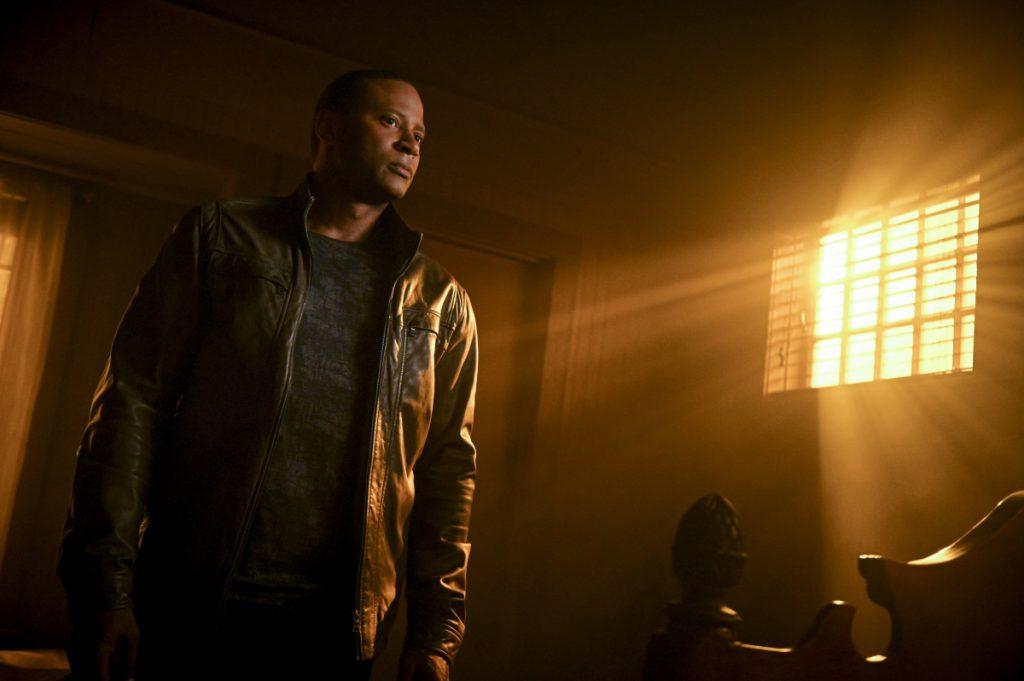 Arrow | Promos do episódio Welcome To Hong Kong S08E02 | Diggle