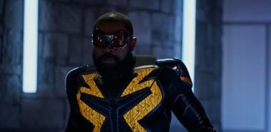 Crise nas Infinitas Terras   Veja como foi a chegada do Black Lightning no maior crossover da história
