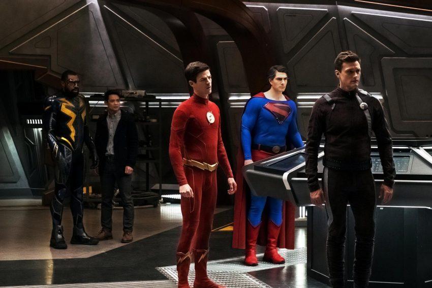 Crise nas Infinitas Terras | Warner ignora o episódio de batwoman no crossover