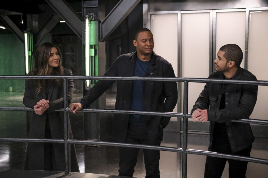Arrow | Promo do último episódio de arrow S08E10 Fadeout
