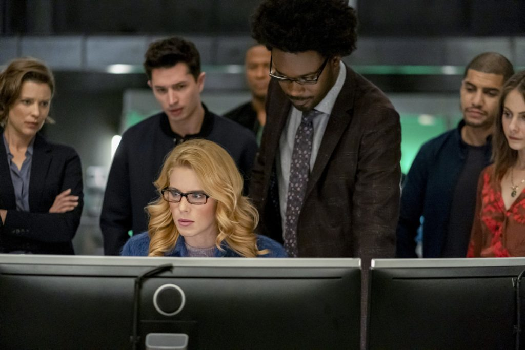 Arrow | Promo do último episódio de arrow S08E10 Fadeout | Todo mundo reunido