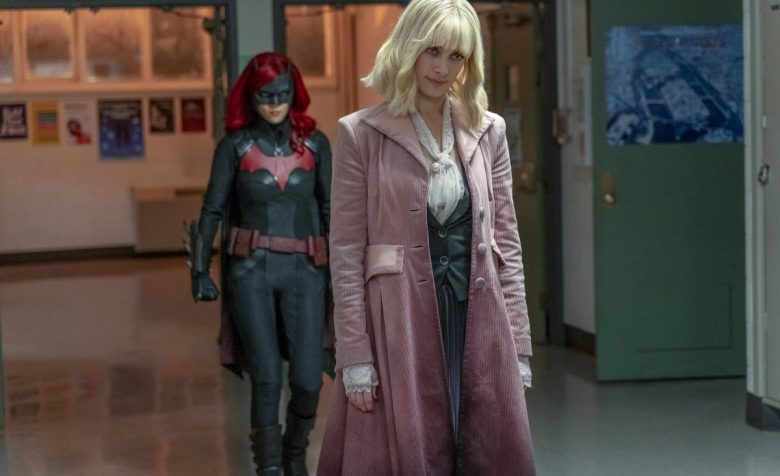 Batwoman   Promo do S01E10 How Queer Everything Is Today!