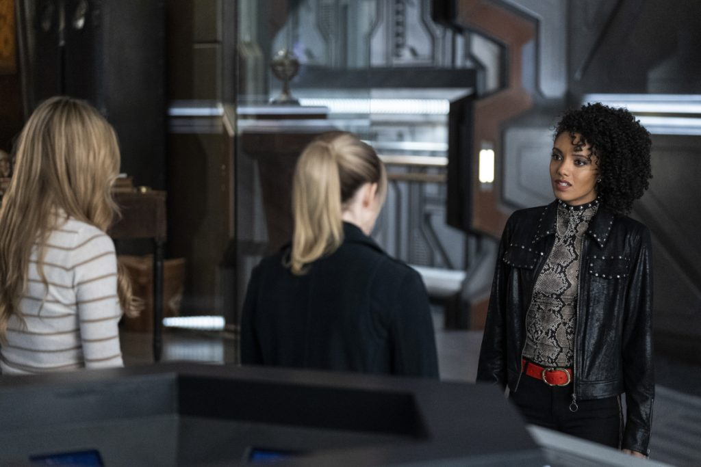 Legends of Tomorrow | S05E09 Zari, Not Zari