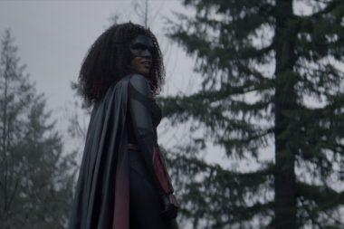 Batwoman | Promos do episódio S02E08 Survived Much Worse