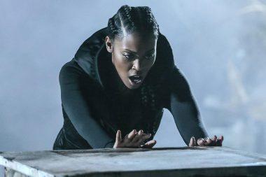 Black Lightning | Nafessa Williams quer um crossover com supergirl